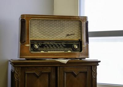 Helsingin Villasukkatehdas on kännykkä- ja tietokonevapaata aluetta. Radiota toki kuuntelemme päivittäin.
